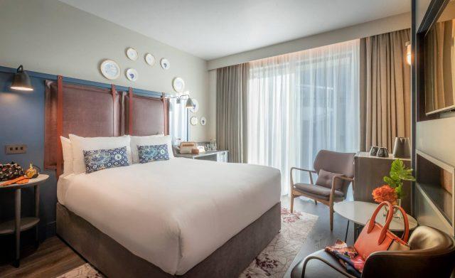 double hotel room
