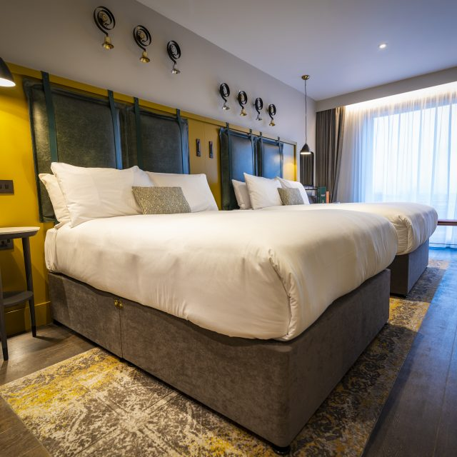 Clayton-Hotel-City-of-London-Deluxe-Family-Room